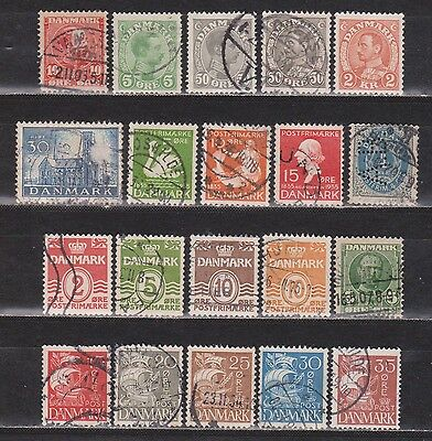 DENMARK / DANMARK - 1895-1937 - 20 DIFFERENT STAMPS - MNG/USED (1 is a perfin)