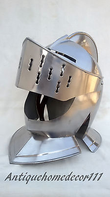 Medieval Knights Closed Role-Play Crusader Costumes Gold and Steel Helmet Armor