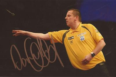 DARTS: DAVE CHISNALL 'CHIZZY' SIGNED 6x4 ACTION PHOTO+COA