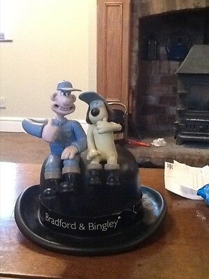 wallace and gromit bradford and bingley money pot
