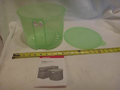 Tupperware FridgeSmart Large Round Vented Container with Seal