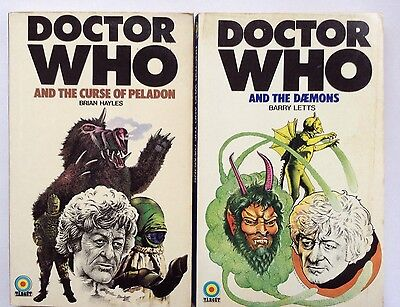 lot Of 2 Doctor who books 1974 First editions