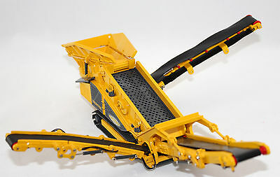 BYMO - Keestrack Frontier Tracked Screener. High Detail. 1:50th. Just Arrived.