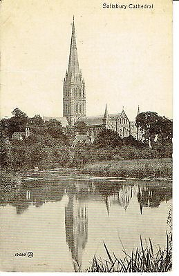 """RPPC Of  """" Salisbury Cathedral """" posted 1922"""