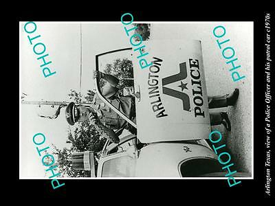OLD LARGE HISTORIC PHOTO OF ARLINGTON TEXAS, POLICE OFFICER & PATROL CAR c1970s