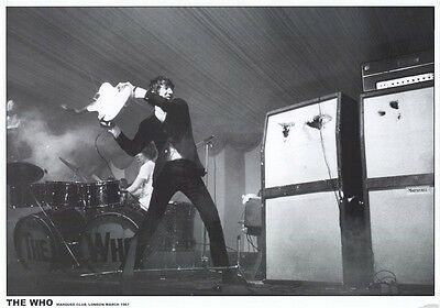 THE WHO ~ PETE TOWNSHEND SMASHES GUITAR 23x33 MUSIC POSTER Marquee Club 1967