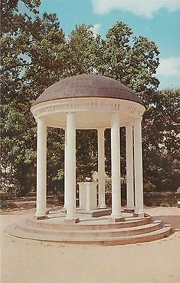 University of North Carolina The Old Well Chapel Hill Vintage Postcard Chrome