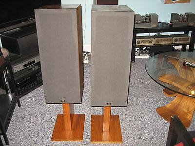 Monitor Audio R352 Speakers with Stands -NICE !!