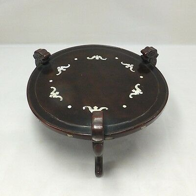 E781: Chinese old lacquer ware display stand with mother-of-pearl and dragon leg