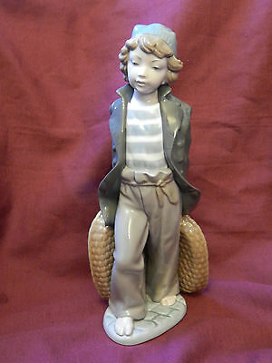 LARGE VINTAGE LLADRO FIGURINE *SHIP BOY WITH BASKETS* -# 5055  c1980-85 RETIRED