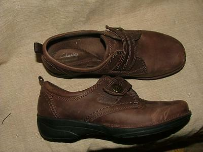 Clarks Collection brown leather slip on comfort velcro closure shoes 6.5W Nice!!