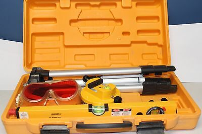 Johnson Level and Tool - Hot Shot Level with Tripod 40-0909 9100