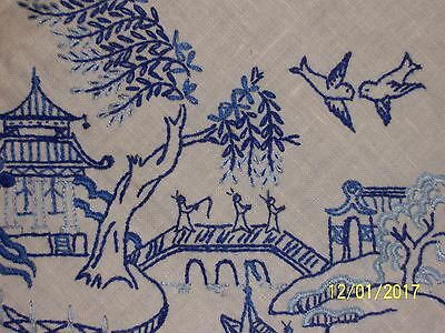 Vintage Embroidered Table Cloth Blue Willow Pattern 125Cm X 128Cm