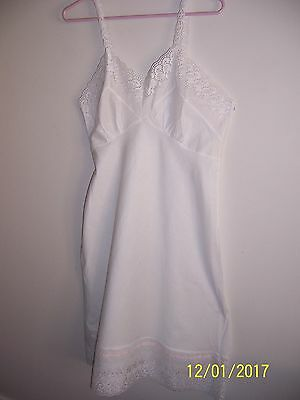 VINTAGE RETRO 60s COTTON FULL SLIP WITH LACE BRODERIE ANGLAIS SIZE 12