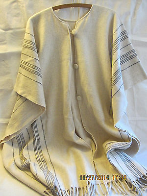 Women's Vintage One Size 100% Wool Poncho - Cream and Gray - Nice!