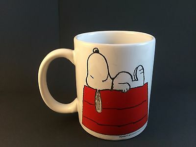 Peanuts Snoopy Dog House Sleeping Shultz Ceramic Coffee Mug Cup United Features
