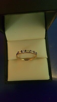 9ct gold ring with diamonds