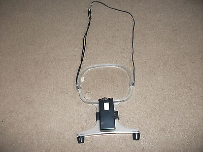 Hands Free Reading Magnifier  Lense With Light And Neck Cord Excellent Condition