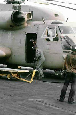 photo Navy RH-53D HM-16 Nimitz Op. Evening Light Iran Hostage rescue 24Apr80(20)