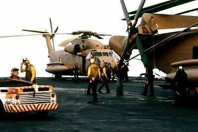 photo Navy RH-53D USS Nimitz Op. Evening Light Iran Hostage rescue 24Apr80 (9)