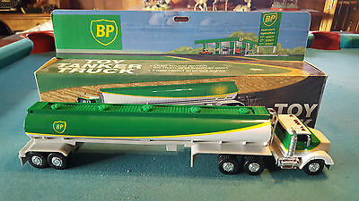 1995 BP Gas Toy Tanker Truck w/ Dual Sounds & Working Lights Batteries Included