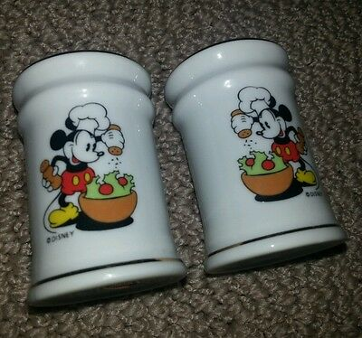 Vintage Disney Mickey Mouse Collectable Salt Pepper Shakers Ceramic Made Japan