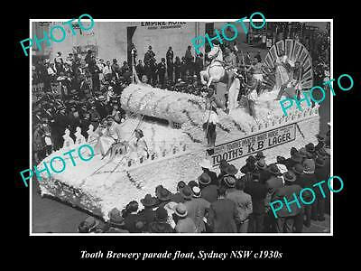 OLD LARGE HISTORIC PHOTO OF THE TOOTH BREWERY PARADE FLOAT, SYDNEY NSW c1930s