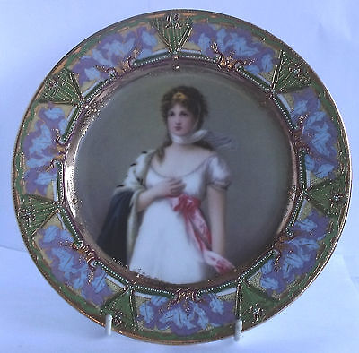 DECORATED GILDED 9in CABINET PLATE MARKED 'DEDETZUCH DESCMUTZT' & 'VICWNA'