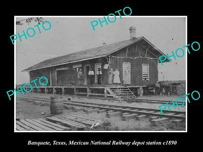 OLD LARGE HISTORIC PHOTO OF BANQUETE TEXAS, MEXICAN RAILWAY DEPOT STATION c1890