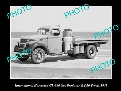 OLD HISTORIC PHOTO OF INTERNATIONAL HARVESTER D30 TRUCK WITH GAS PRODUCER 1941 a