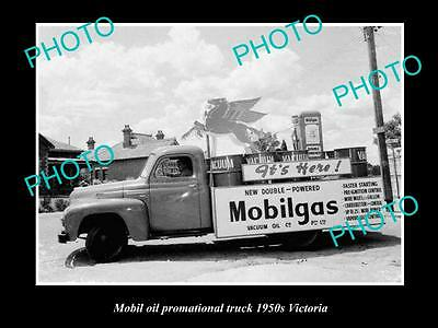 OLD LARGE HISTORIC PHOTO OF MOBIL OIL COMPANY PROMOTIONAL TRUCK c1950s, VICTORIA