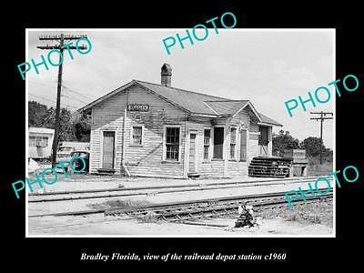 OLD LARGE HISTORIC PHOTO OF BRADLEY FLORIDA, THE RAILROAD DEPOT STATION c1960