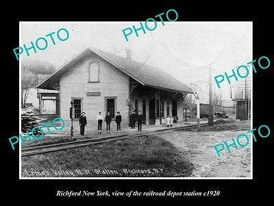 OLD LARGE HISTORIC PHOTO OF RICHFORD NEW YORK, THE RAILROAD DEPOT STATION c1920