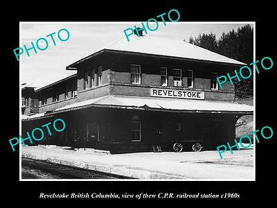 OLD LARGE HISTORIC PHOTO OF REVELSTOKE BC CANADA, THE CPR RAILWAY STATION c1960