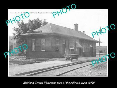 OLD LARGE HISTORIC PHOTO OF RICHLAND CENTER WISCONSIN, THE RAILROAD DEPOT c1920
