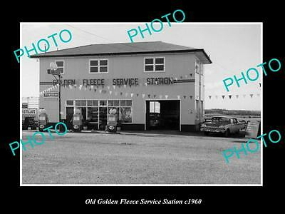 OLD LARGE HISTORIC PHOTO OF GOLDEN FLEECE OIL COMPANY SERVICE STATION c1960