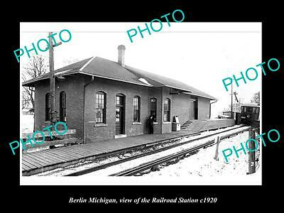 OLD LARGE HISTORIC PHOTO OF BERLIN MICHIGAN, VIEW OF THE RAILROAD DEPOT c1920