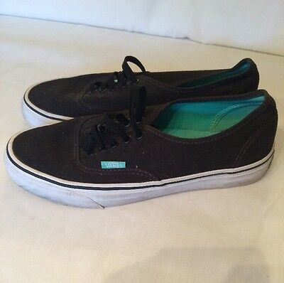 VANS Authentic Black Canvas lace up Vans Off the Wall Sneakers W-8.5 M-7