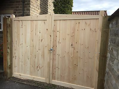 Double Driveway Wooden Gates Timber Garden Curved Top