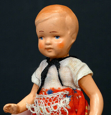 UNIDENTIFIED Vintage German ? DOLLHOUSE Porcelain CHINA DOLL / ORIGINAL CLOTHES