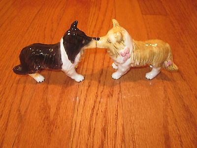"""*super Kissing Dogs Decorative Collectible Salt And Pepper Shakers 3"""" *"""