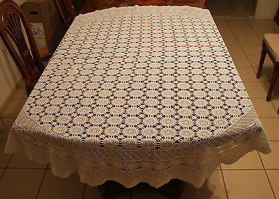 Vintage White Large Round Crochet Tablecloth - Flower Designs