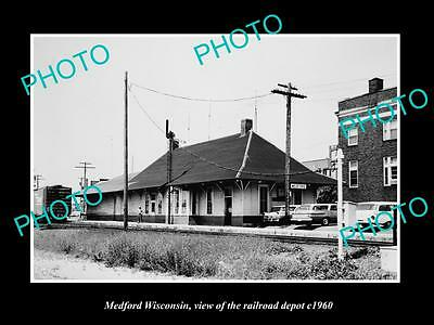 OLD LARGE HISTORIC PHOTO OF MEDFORD WISCONSIN, THE RAILROAD DEPOT STATION c1960