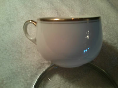 Alfred Meakin Cup & Saucer Bazas pattern