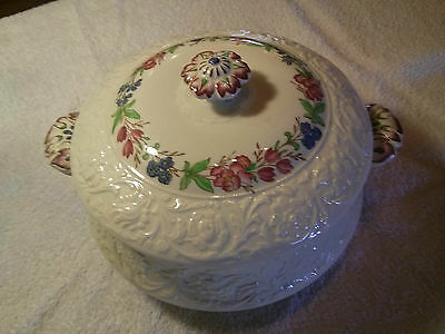 Booths Corinthian Covered Vegetable Bowl 1912