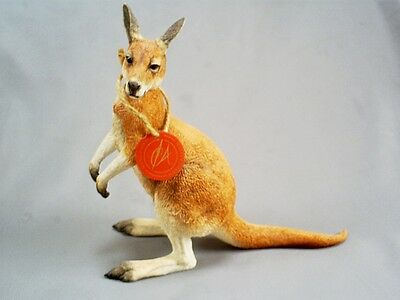 2002 Lovely Vintage Country Artists Hand Painted/crafted Kangaroo 02741 & Tag
