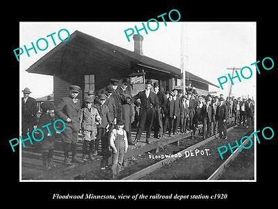 OLD LARGE HISTORIC PHOTO OF FLOODWOOD MINNESOTA, RAILROAD DEPOT STATION c1920