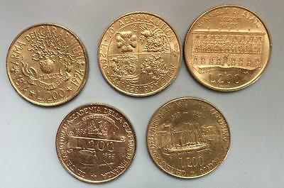 D828 - 5 x Italy 200 lira coins - all different.