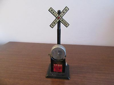 Marx 418 Bell  Ringing Crossing Railroad Signal O Gauge Trains Works