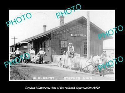 OLD LARGE HISTORIC PHOTO OF STEPHEN MINNESOTA, RAILROAD DEPOT STATION c1920